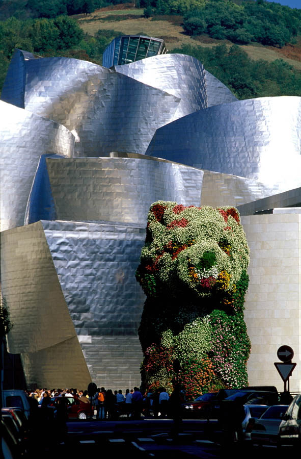 Jeff Koons Puppy at Guggenheim, Bilbao